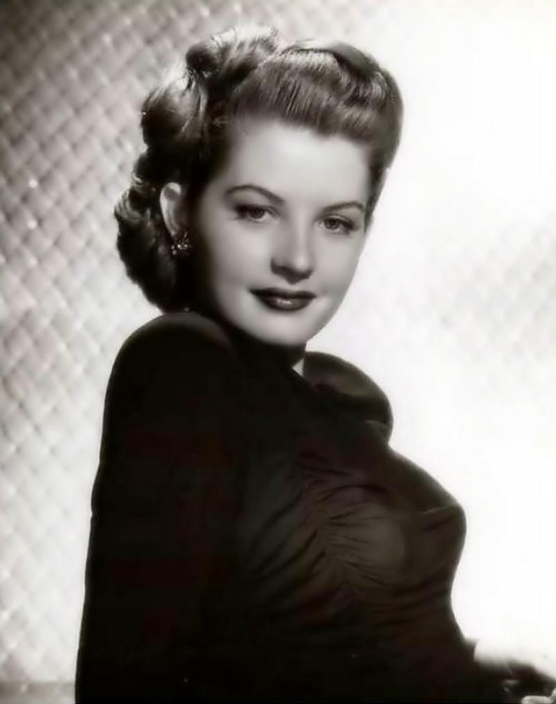 美国好莱坞美女明星芭芭拉・贝茨