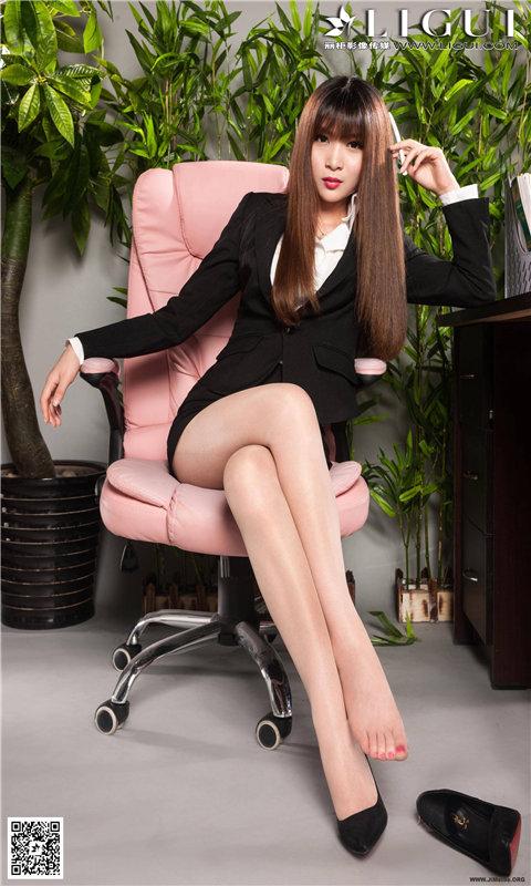 玩個人化App|办公室OL女郎丝袜长腿诱惑壁纸免費|APP試玩